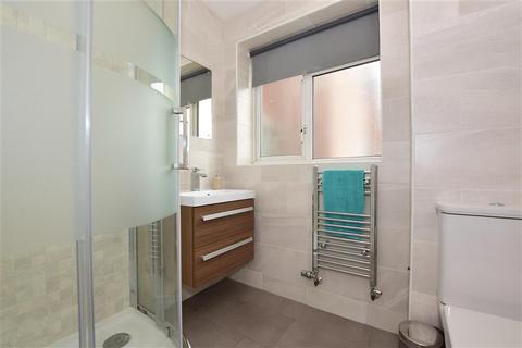 1 bedroom flat for sale - Ibscott Close, Dagenham, Essex