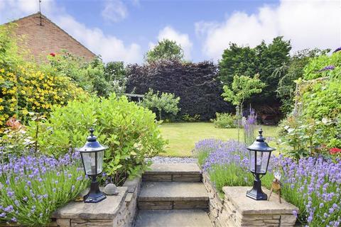 4 bedroom detached house for sale - Cedar Crescent, Tonbridge, Kent