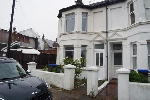 3 bedroom end of terrace house to rent - Roberts Road, BN15