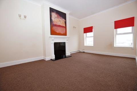 2 bedroom flat to rent - Promenade, Bridlington