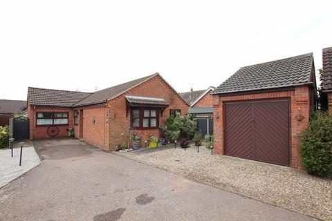 3 bedroom detached bungalow for sale - Bailey Close, Martham