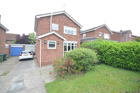 3 bedroom detached house for sale - Gaywood Close, Caister-on-sea