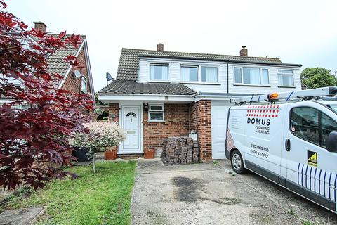 3 bedroom semi-detached house for sale - Leaders Way Newmarket