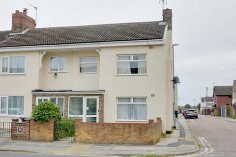 3 bedroom end of terrace house for sale - Clemence Street, NR32