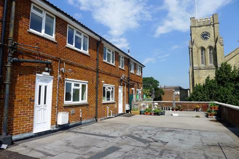 3 bedroom property to rent - Fareham  West Street  Unfurnished