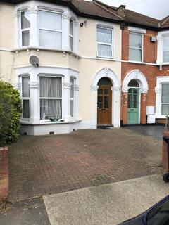 1 bedroom house share to rent - Catford London SE6
