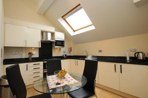 2 bedroom apartment to rent - The Crescent Maidenhead Berkshire