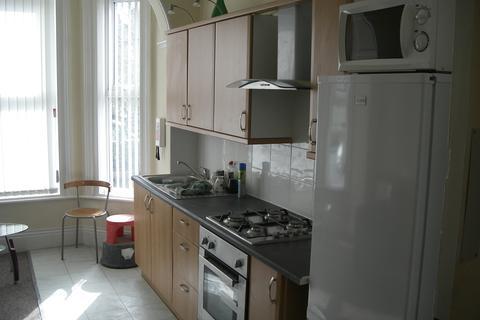 2 bedroom apartment to rent - Burton Road  Manchester