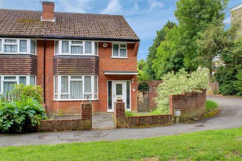 3 bedroom semi-detached house for sale - Link Way, Denham
