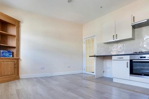 1 bedroom flat to rent - WHITEHORSE ROAD, Croydon, Croydon CR0 2LF