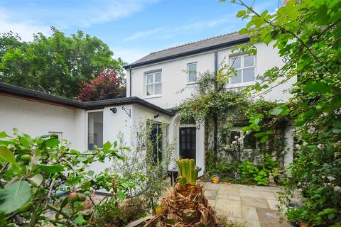2 bedroom detached house for sale - St. Peters Road, Lower Parkstone, Poole, BH14