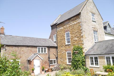 4 bedroom character property to rent - THE OLD HALL, NEW ROAD, BURTON LAZARS, MELTON MOWBRAY