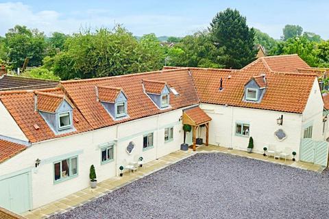 6 bedroom detached house for sale - Main Street, Tickton, Beverley, East Yorkshire, HU17