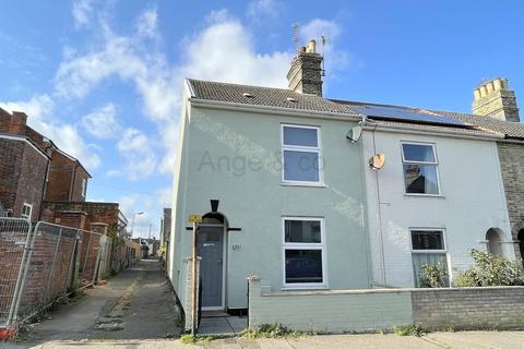 3 bedroom end of terrace house for sale - Lorne Road, Lowestoft