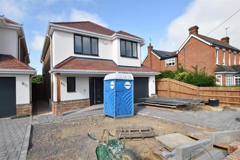 Houses for sale in victoria road rayleigh essex