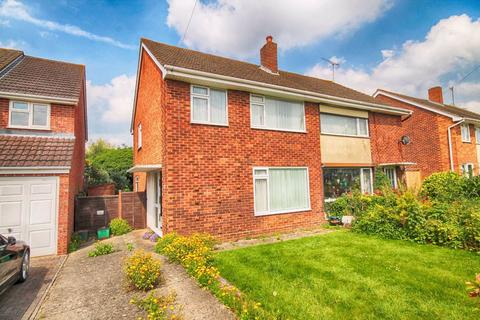 3 bedroom semi-detached house for sale - Westdown Gardens, Fairview, Cheltenham, GL52