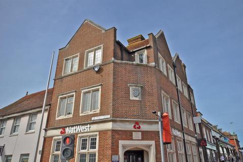 2 bedroom flat to rent - Bank House, High Street, Hailsham