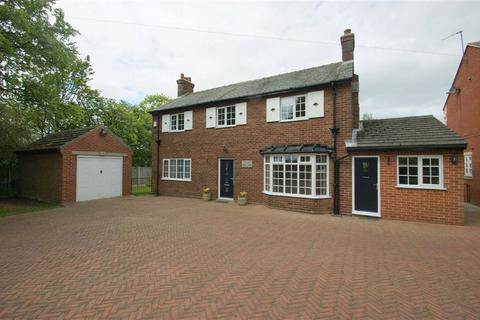 3 bedroom detached house to rent - King Lane, Moortown, LS17