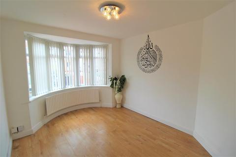 3 bedroom house to rent - Hurst Way, Luton