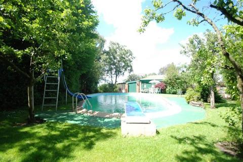 4 bedroom barn conversion for sale - Everest Road, Hyde, SK14 4DX
