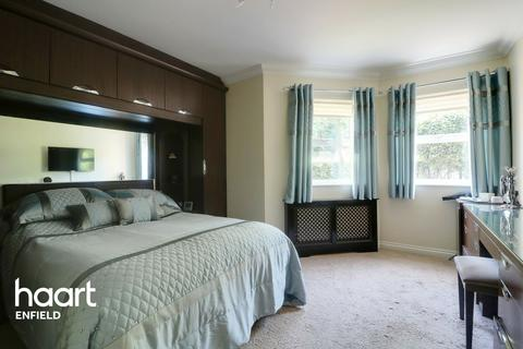 2 bedroom flat for sale - Holywell Lodge, 130 The Ridgeway, Enfield
