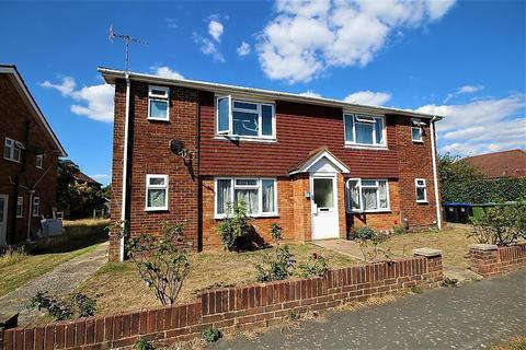 Studio to rent - Steyning House, Middle Road, BN15