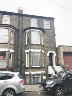 4 bedroom end of terrace house for sale - 2 Sondes Road, Deal, Kent