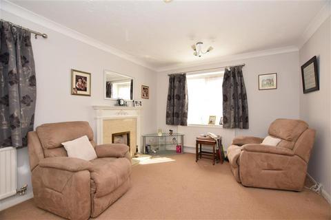 3 bedroom detached house for sale - St. Leonards Way, Hornchurch, Essex