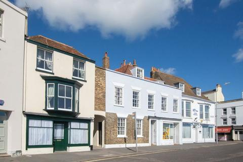 3 bedroom end of terrace house for sale - Deal Seafront