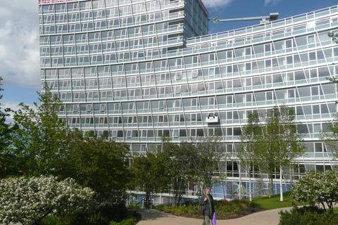 2 bedroom apartment to rent - One Park West