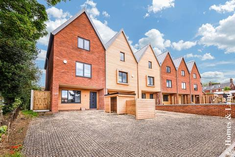 4 bedroom house for sale - The Mews, Barons Hall Lane, Fakenham