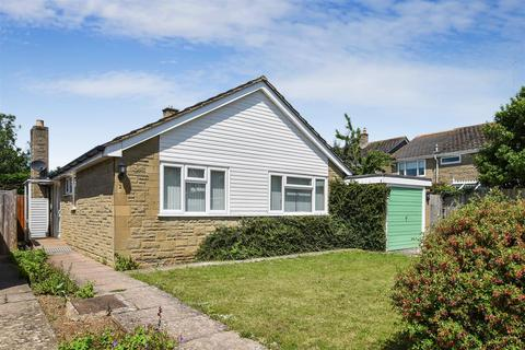 3 bedroom detached bungalow for sale - Orchard Rise, Chesterton, Oxfordshire