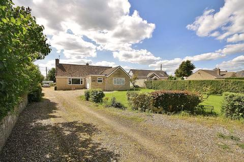 4 bedroom detached bungalow for sale - MINSTER LOVELL, Brize Norton Road OX29 0SQ