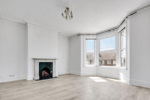 4 bedroom duplex to rent - Broomfield Road, Chadwell Heath