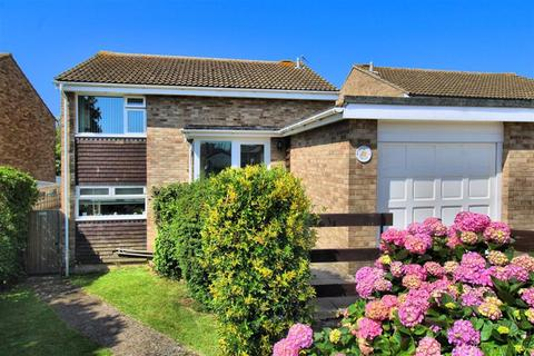 3 bedroom detached house for sale - Farm Close, Seaford, East Sussex