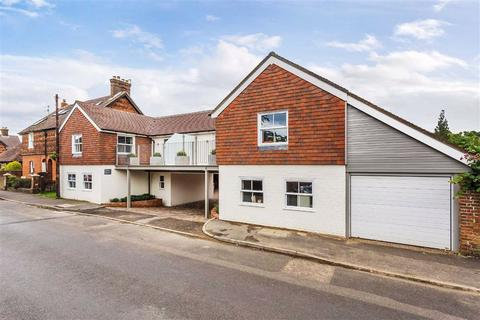 2 bedroom townhouse for sale - Eastwood Road, Bramley, Guildford, Surrey, GU5