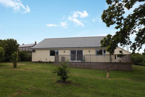 3 bedroom detached bungalow for sale - Eddystone Road, St Austell, PL25