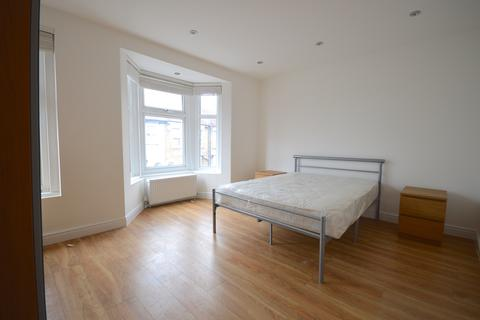 1 bedroom house share to rent - London E17