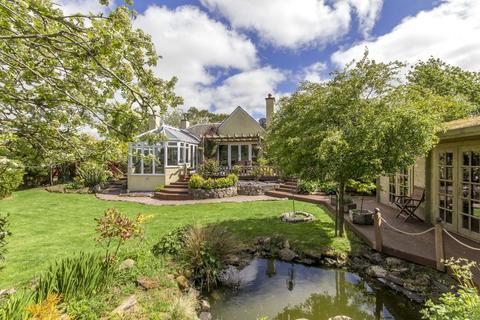 4 bedroom detached house for sale - Greenbraes, Nine Mile Burn, Midlothian, EH26 9LZ