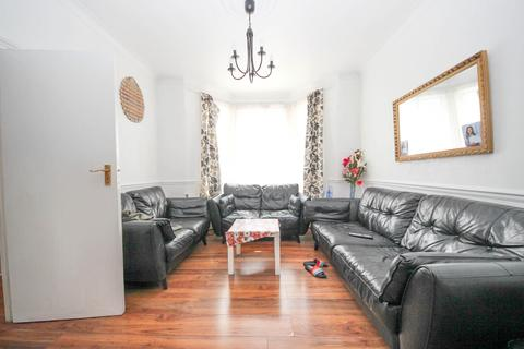 4 bedroom terraced house for sale - Masterman Road, East Ham, E6