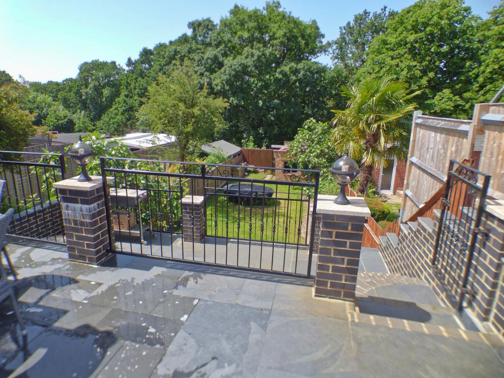 Middle patio area