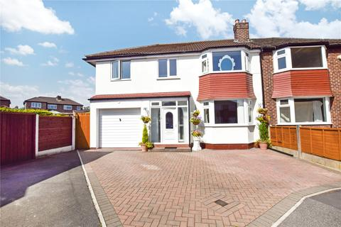 4 bedroom semi-detached house for sale - Vyner Grove, Sale, M33