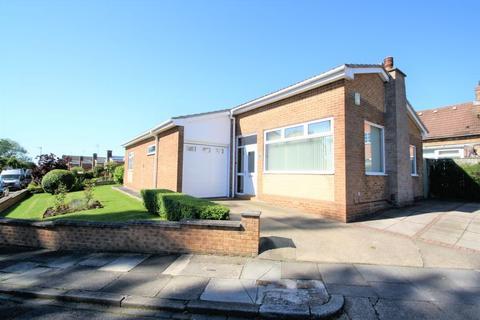 3 bedroom detached bungalow for sale - Spring Way, Hartburn, Stockton, TS18 5DZ