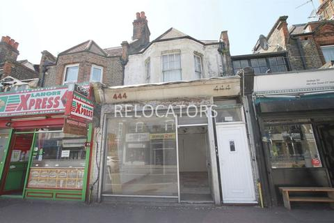 Retail property (high street) to rent - Hoe Street, Walthamstow