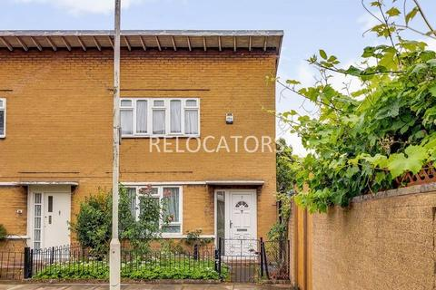 2 bedroom end of terrace house to rent - Ernest Street, Stepney