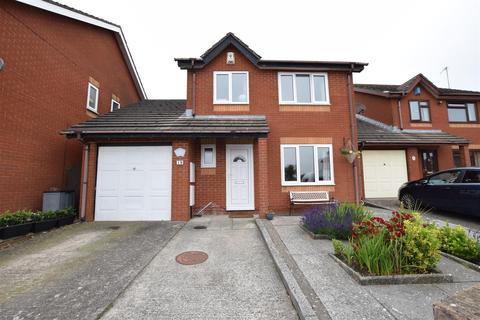 4 bedroom detached house for sale - Hardy Close, Barry