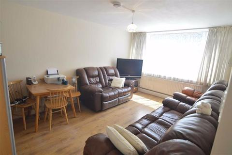 1 bedroom flat for sale - Queens Gardens, Rainham, Essex