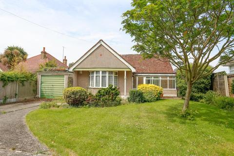 2 bedroom detached bungalow for sale - Lower Herne Road, Herne, Herne Bay