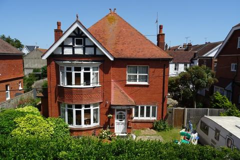 5 bedroom detached house for sale - Manor Road, Worthing BN11 3RT
