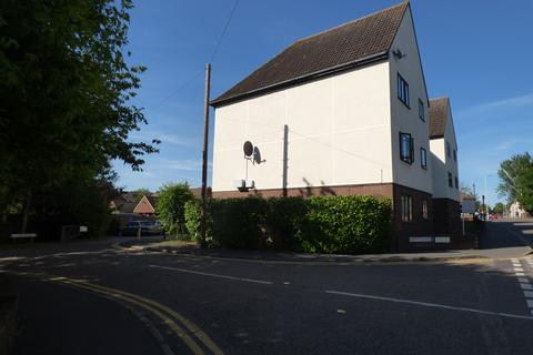 2 bedroom flat to rent - Abbotts Place, Chelmsford CM2